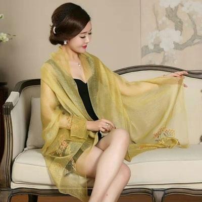 55%真丝45%羊毛围巾,228元一条